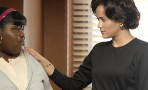 Blu Rain (Paula Patton) lets Precious (Gabourey Sidibe) crash at her pad.
